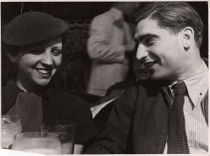 Ritratto di Gerda Taro e Robert Capa, Parigi, 1935 © Fred Stein/International Center of Photography